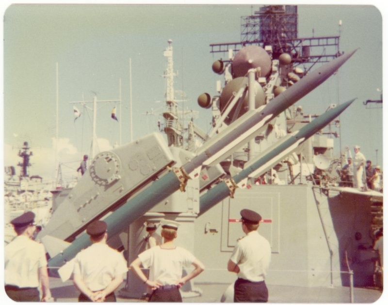 USS Reeves, Pearl Harbor, 1975.